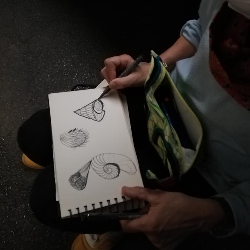 sketching en el museo
